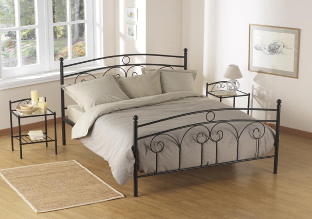 lit boheme noir. Black Bedroom Furniture Sets. Home Design Ideas
