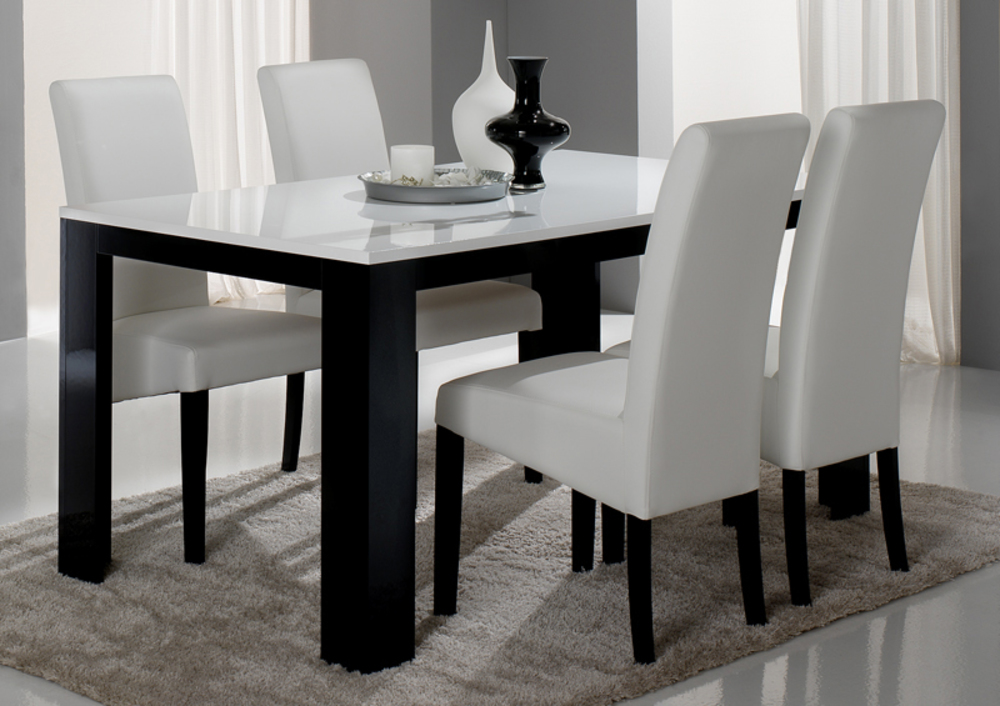 Table de repas pisa laqu e bicolore noir blanc noir for Table extensible noir et blanc