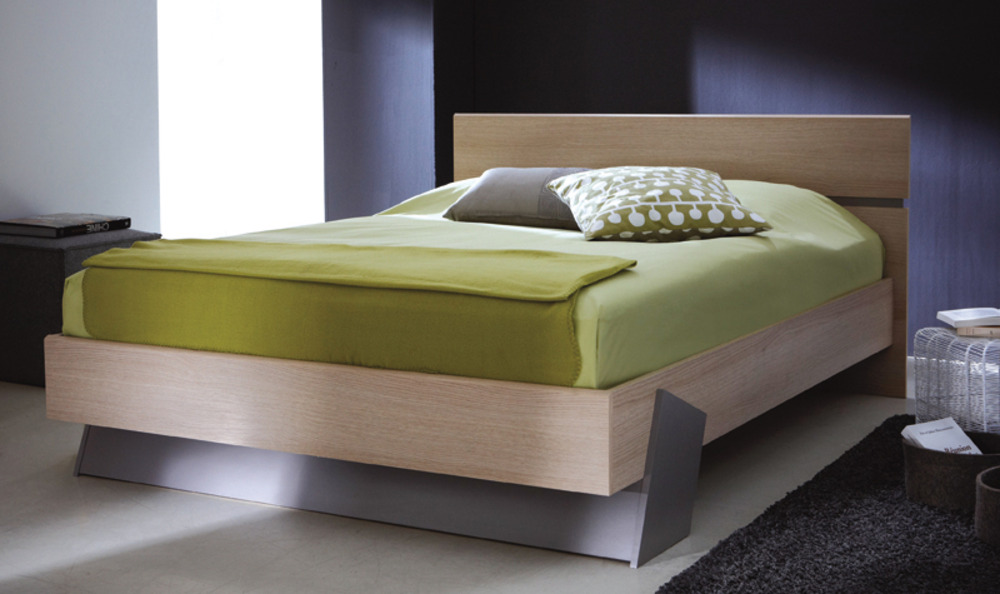 Gaya chambres lits adultes lit chene blond basalte basika for Meubles lits adultes