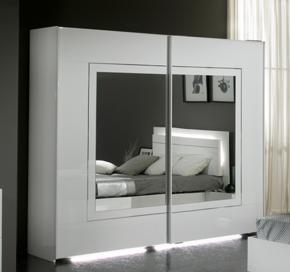Armoire 2 Portes Coulissantes City Laque Blanc Chambre Coucher Blanc L 240 X H 210 X P 63