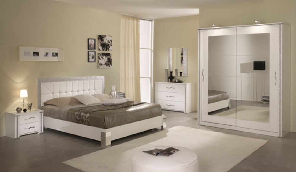 modele de chambre a coucher moderne dco noir et blanc. Black Bedroom Furniture Sets. Home Design Ideas