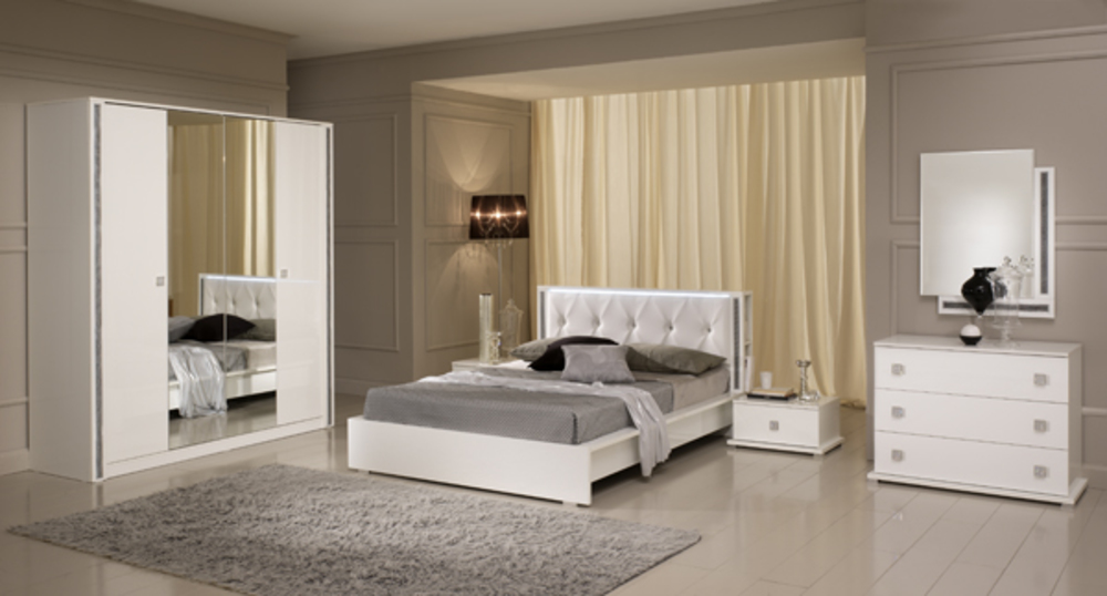 Armoire tess chambre a coucher blanc brillant for Chambre adulte meuble